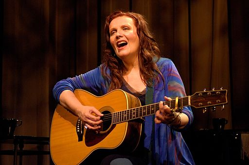 Maureen McGovern: one of the female Broadway singers that made it in our list.