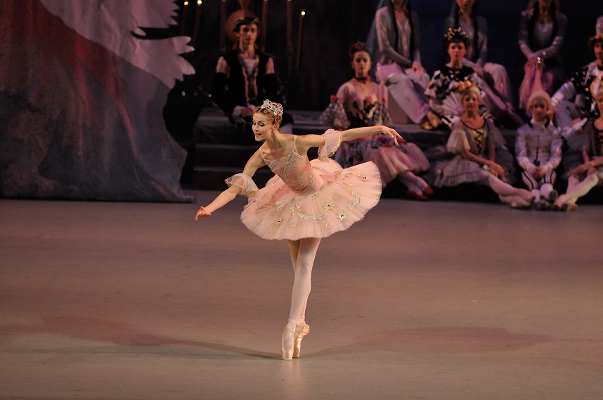 10 Companies Who Perform The Nutcracker